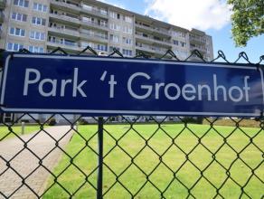 """Degelijk appartement van 65m², gelegen op de 4de  verdieping van residentie """"Park t' Groenhof"""". Het appartement beschikt over één s"""