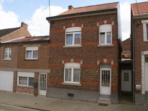 Deze woning is gelegen in het landelijke dorpje Overwinden. De mooie woning is verdeeld in twee woningen, die beide apart bewoond (verhuurd) kunnen wo