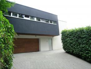 Unieke  moderne villa ( afgewerkte vloeroppervlakte 320 m² en opslagruimte/kelder 160 m² ) op bouwkavel van 16 a 81 ca, prachtige omgeving,