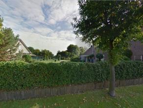 Residentieel gelegen bouwkavel van het type open bebouwing.Deze bouwgrond is rustig gelegen in de dorpskern van Vliermaal en toch is de autosnelweg vl