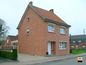 Algemeen Aantal slaapkamers : 4 Aantal badkamers : 1 Garage : 1 Adres : Lindedorp 22, 3990 PEER Bewoonbare opp. : 145 m² Grondoppervlakte : 542 m