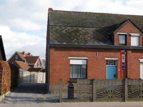 Te moderniseren woning met 2 slaapkamers op 3a26. Laag beschrijf mogelijk! Indeling gelijkvloers: hal, woonkamer, kantoor, kelder, eetkamer, keuken/wa