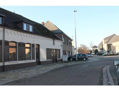 Huis te huur in lommel 680 fhoma frank mann vastgoed for Te huur in lommel