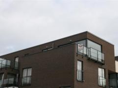 VREYSHORRING - RODE KRUISSTRAAT  Zeer mooi nieuw dakappartement  van 90 m² met groot terras en 2 slaapkamers.  Het appartement is gelegen op