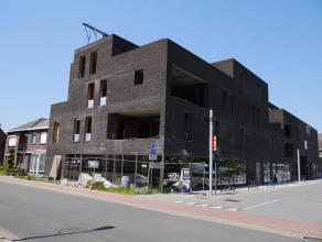 Prachtig appartement (215m²) met ruime living (84m²), 2 slaapks, 2 terrassen (36m²), kelder en autostaanplaats, gelegen in hartje Lomme
