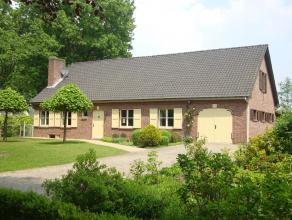 Prachtig landhuis met 5 slaapkamers, inpandige garage, ingerichte zolder en vrijstaande schuur (50m²) gelegen op fraai perceel van 1888m². E