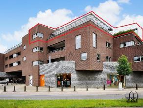 Uniek villa-appartement (205m²) met 3 slaapkamers, 2 badkamers, terrassen (96m²) en 1 ruime garage. Luxe afwerking. Vloerverwarming op aardg