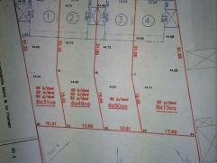 4 bouwgronden van 6 are 31 ca en 6 are 49 ca en 6 are 50 ca en 8 are 15 ca te koop. Halfopen bebouwing. Geen bouwverplichting. Prijzen: 99.000 en 102.