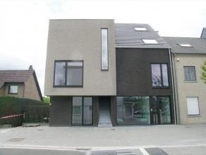 Karaktervol appartement met drie woonverdiepen te Kaulille:- bewoonbare oppervlakte: 125m²- 2 ruime slaapkamers; waarvan n met dressingroom- terr