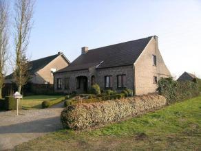Grote gezinswoning nabij het centrum van Overpelt:- perceelsoppervlakte: 14a01ca- bewoonbare oppervlakte: 221m²- 3 ruime slaapkamers, waarvan &ea
