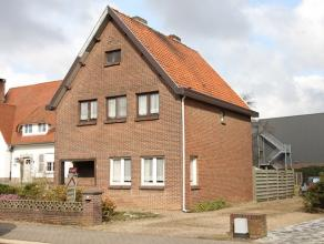 In de woonkern van Dilsen gelegen vrijstaande, nog op te frissen gezinswoning met achterliggende en omheinde tuin. De woning is voorzien van cv op sto