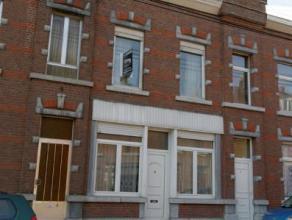 Grâce-Hollogne : Très spacieuse maison dans le centre avec un beau jardin, 4 chambres, cuisine équipée, chauffage central g