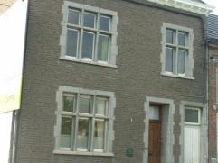 ENGIS: Très bel appartement 3 chambres possibilité 4 avec grand séjour, cuisine équipée, salle de bains avec baigno