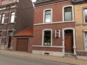 Laissez vous charmer par cette magnifique maison aux matériaux de qualité. Maison familiale par excellence elle bénéficie