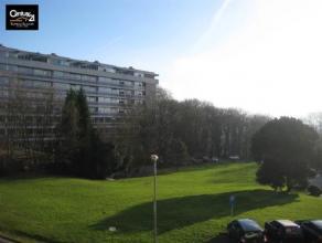 Liège-Cointe : Très beau studio de 55 m²  situé au 1er étage dans un complexe entièrement rénové