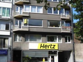 Liège : Situé en plein centre-ville à proximité des commerces, transports en communs bus et gare des Guillemins. Tr&egrave