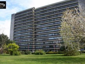 Liège : Situé dans un domaine très calme et entouré de verdure, Très bel appartement en parfait état de 62 m