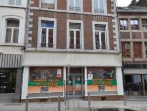 Offre 695 000 euro Trés gros immeuble située en face du Crowne Plazza à 250 m des écoles St-Martin et St-Laurent. Compos&e