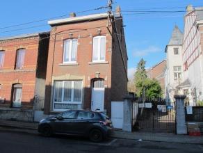 Offre àpd 119000euro, Maison unifamiliale 3 façades composée de 3 chambres, proche du centre de Grâce-Hollogne. Rez: Living