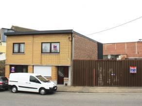Maison 4 façades avec atelier et jardin offrant de beaux volumes idéalement située à proximités de toutes les commo