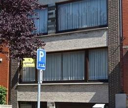 Dans un quartier tranquille et bourgeois, cette maison de type bel étage, présente une superficie habitable d'env. 110 m² + garage