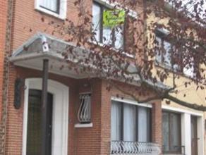 Dans un quartier tranquille, proche de tout, cette maison bel étage, présente une superficie habitable d'env. 165 m² + garage et ca
