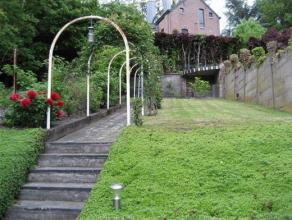 Au coeur du Laveu, cette maison de style Art Déco s'étend sur env. 120 m² habitables + grande terrasse et jardin. Cuisine full &eac