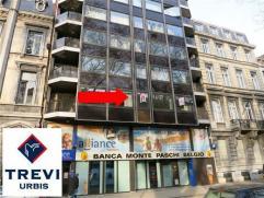 Idéalement situé (proximité commerces, bus, gare, centre-ville,...) : SUPERBE APPARTEMENT très SPACIEUX (150 m² !) ty