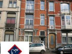 Maison d'habitation idéalement située proche de la gare et des axes autoroutiers, composée de 11 logements (avec permis de locati