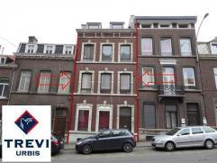 Idéalement située à proximité du centre de Liège et de l'hôpital de la Citadelle, cette saine maison urbaine