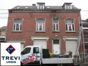 OPTION OPTION OPTION !!! Maison à rénover entièrement sur 3 niveaux (Rez + 2) pouvant comporter 5 chambres + greniers. Petite cou