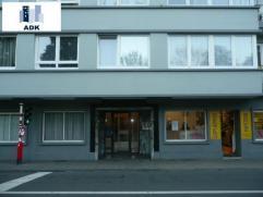 Bel appartement une chambre situé au rez-de-chaussée dans un quartier calme à proximité du centre et des axes autoroutiers