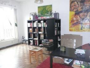 Studio+- 50 M2 7éme étage : hall d'entrée carrelé , séjour sur parquet avec coin chambre, cuisine (meuble év