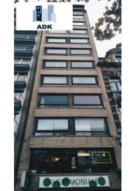 Appartement te koop in Liège, € 200.000