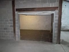 Petit Atelier de +/- 30 m² à proximité de toutes commodités. Accès sécurisé. Charges : privées.