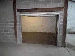 Petit Atelier de +/- 20 m² à proximité de toutes commodités. Accès sécurisé. Charges : privées.