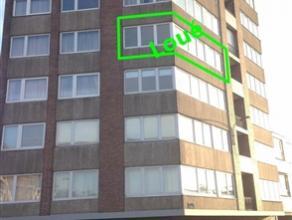 Lumineux studio au 4ème étage d'une résidence soignée, situé dans une rue calme avec facilité de stationneme