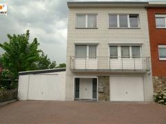 Maison entièrement rénovée en 2013  composée au rez-de-chaussée d'un hall 11m², cuisine 22m², local techn