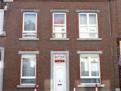Maison composée au rez-de-chaussée; d'un salon 19m², salle à manger 12m², cuisine 12m², salle de bain 9m². 1e
