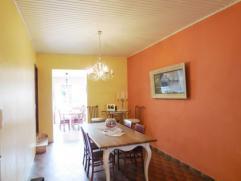 --- OPTION --- Maison comprenant au rez: un hall d'entrée, un séjour, un wc, une cuisine équipée, une cour et un jardin; a