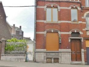 Maison bourgeoise 3 façades comprenant au rez: un hall d'entrée, un wc, un débarras, une cuisine, une salle de douche, une salle