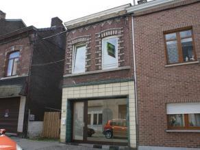 Maison à rafraîchir se composant au rez-de-chaussée: salon (15m²), salle à manger (20m²), cuisine non-équi
