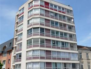Bel appartement situé au 7ième étage d'un immeuble, à proximité de toutes les commodités (gare, commerces, e