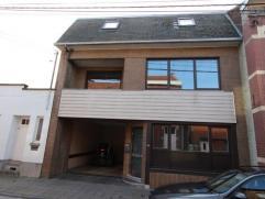 IMMEUBLE DE RAPPORT composé de 5 APPARTEMENTS : 3 appartements 1 chambre et 2 appartements 2 chambres. Equipé de châssis PVC/bois