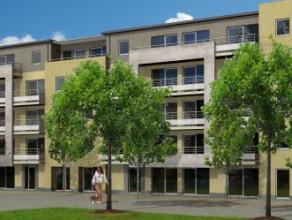 Superbe penthouse-duplex dans un immeuble récent et proche du centre, état parfait, comprenant au 1er niveau: hall d'entrée avec