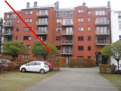 Description Superbe appartement, dans l'hypercentre, mais au calme.Il s'articule autour d'un majestueux living de plus de 33m² et de 4,80m de hau