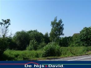 Commune de BraivesImmo De Nijs vous propose une très belle parcelle de 1908m², en bordure de route, située rue du Centre. Proche de