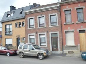 Pour toutes visites: 043 720 720!!! Maison avec de beaux volumes située à Herstal à proximité de toutes facilités (