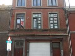 MAISON UNIFAMILIALE ACTUELLEMENT DIVISEE EN 3 LOGEMENTS + JARDINREZ 93 m2: avec entrée indépendante: hall d'entrée + 1er logement