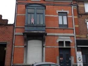 IMMEUBLE DE RAPPORT COMPOSE DE 4 LOGEMENTS + COUR ET JARDINREZ: grand appartement 3 chambres loué 540 euro/m + provision 175 euro pour le chauf